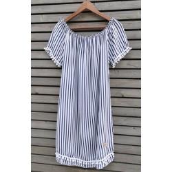 Luźna sukienka w marynarskie paski