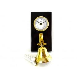Zegar i dzwon na drewnianej podstawie